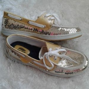 Maui Island size 7.5 gold driving shoes flats